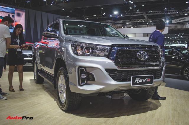 Toyota Hilux Revo Rocco cạnh tranh Ford Ranger Wildtrak và Mitsubishi Triton Athlete - Ảnh 9.