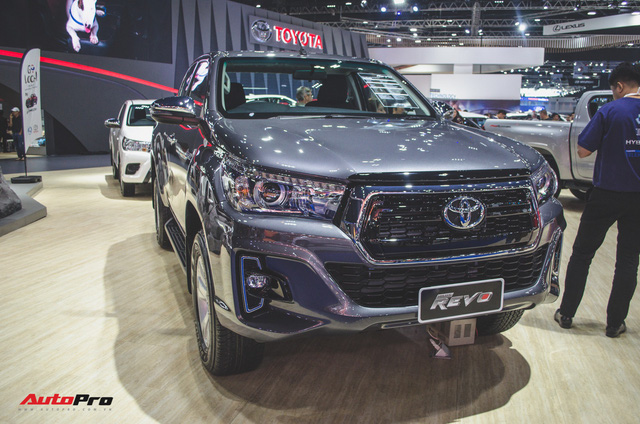 Toyota Hilux Revo Rocco cạnh tranh Ford Ranger Wildtrak và Mitsubishi Triton Athlete - Ảnh 7.