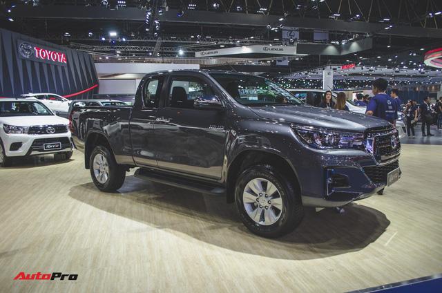 Toyota Hilux Revo Rocco cạnh tranh Ford Ranger Wildtrak và Mitsubishi Triton Athlete - Ảnh 8.