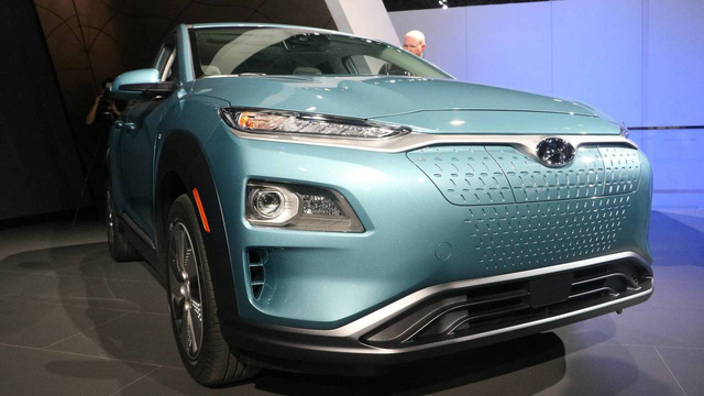 Hyundai Kona động cơ điện: Sạc một lần, chạy hơn 400 km - Ảnh 1.
