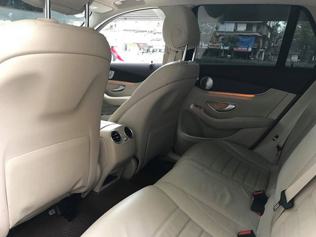 Mercedes-Benz GLC 300 4Matic đi gần 2 năm bán lại lỗ khoảng 210 triệu đồng - Ảnh 10.