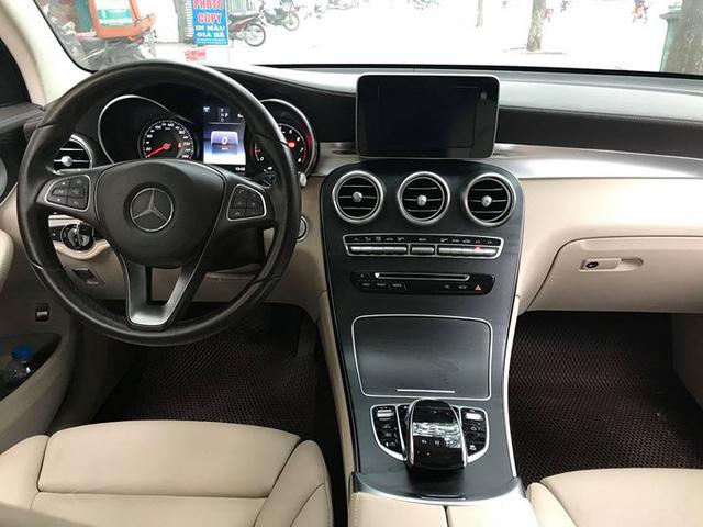 Mercedes-Benz GLC 300 4Matic đi gần 2 năm bán lại lỗ khoảng 210 triệu đồng - Ảnh 7.