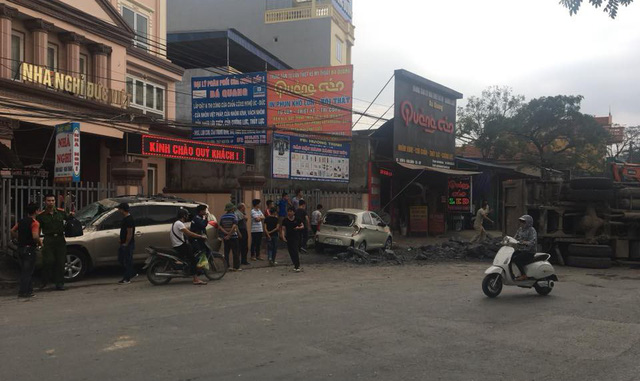 Hải Phòng: Húc vào xe khác rồi ngã ra đường, cô gái đi xe máy khiến xe tải đánh lái tránh, lật nhào, gây tai nạn liên hoàn - Ảnh 4.