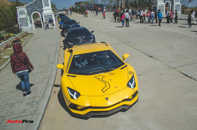 Xem siêu xe vượt ổ gà, băng đường trưởng trong ngày đầu của Car & Passion 2018 - Ảnh 10.