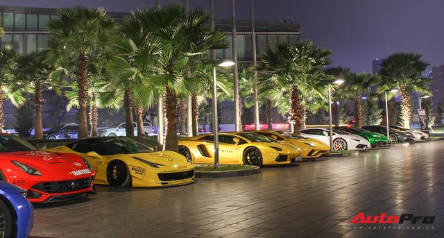 Ảnh đẹp dàn siêu xe Car & Passion dưới ánh đèn đêm Hà Nội - Ảnh 4.