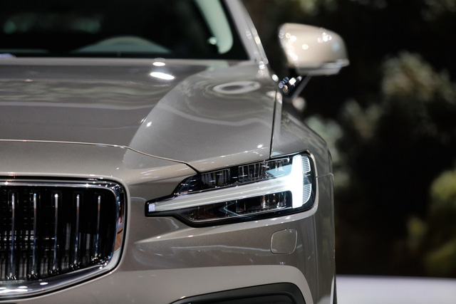 Volvo V60 Wagon trình làng triển lãm Geneva - Ảnh 7.