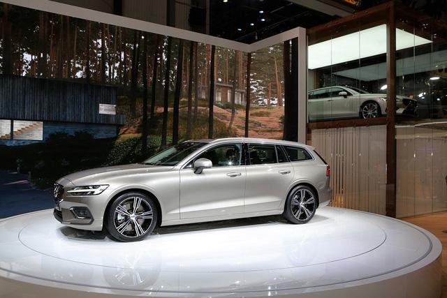 Volvo V60 Wagon trình làng triển lãm Geneva - Ảnh 3.