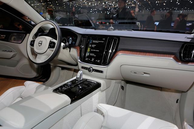 Volvo V60 Wagon trình làng triển lãm Geneva - Ảnh 9.
