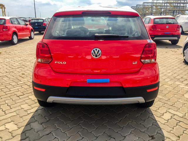 Volkswagen Cross Polo - Xe Đức giá 725 triệu đồng đấu Ford EcoSport tại Việt Nam - Ảnh 4.