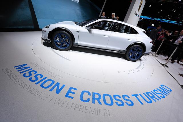 Porsche Mission E Cross Turismo: Hòa trộn hiệu suất và tiện dụng - Ảnh 3.