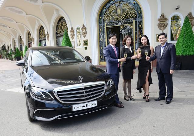 Khách sạn Sài Gòn mạnh tay sắm Mercedes-Benz E200 phục vụ khách hàng - Ảnh 3.