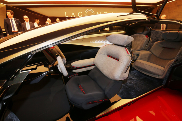 Aston Martin Lagonda Vision Concept - Khi xe thể thao có thể tự lái - Ảnh 3.