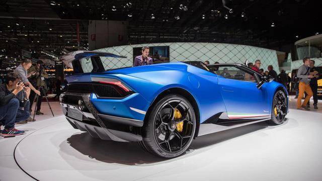 Lamborghini trình làng siêu xe mui trần hiệu suất cao Huracan Performante Spyder - Ảnh 5.
