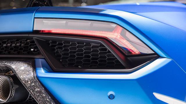 Lamborghini trình làng siêu xe mui trần hiệu suất cao Huracan Performante Spyder - Ảnh 8.