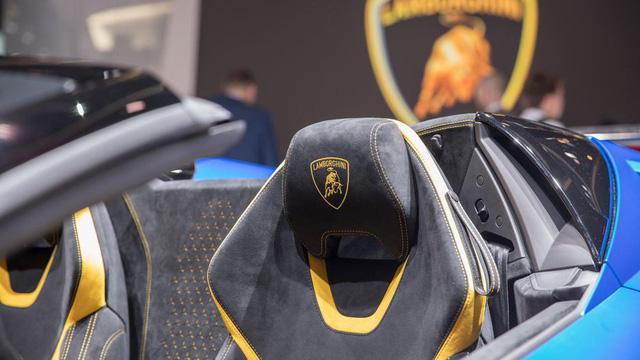 Lamborghini trình làng siêu xe mui trần hiệu suất cao Huracan Performante Spyder - Ảnh 16.