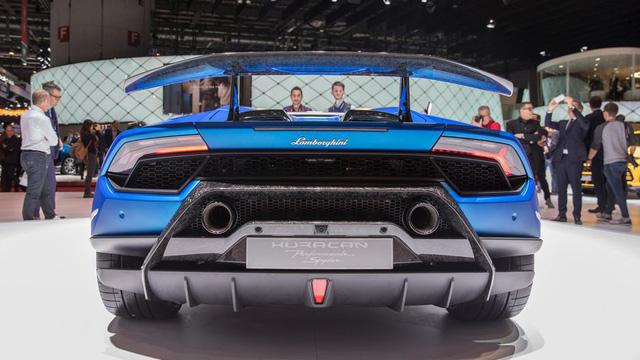 Lamborghini trình làng siêu xe mui trần hiệu suất cao Huracan Performante Spyder - Ảnh 6.