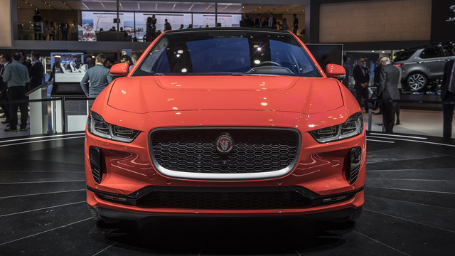 """Ảnh thực tế I-Pace: """"Chiến binh"""" đầu tiên của Jaguar trên thị trường xe điện - Ảnh 5."""