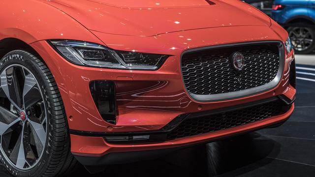 """Ảnh thực tế I-Pace: """"Chiến binh"""" đầu tiên của Jaguar trên thị trường xe điện - Ảnh 7."""