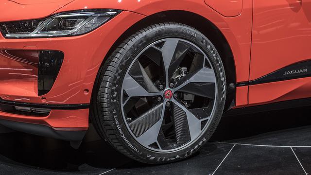"""Ảnh thực tế I-Pace: """"Chiến binh"""" đầu tiên của Jaguar trên thị trường xe điện - Ảnh 8."""