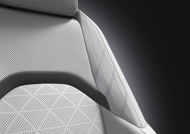 Lexus UX - Câu trả lời của người Nhật với BMW X1 - Ảnh 7.