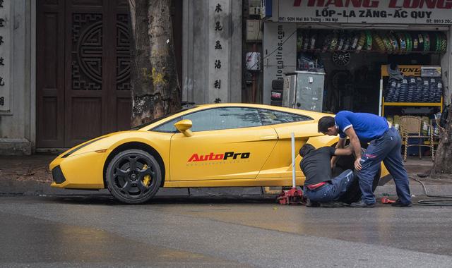 Sửa siêu xe Lamborghini kiểu Việt Nam - Chuyên gia cũng phải giật mình - Ảnh 1.