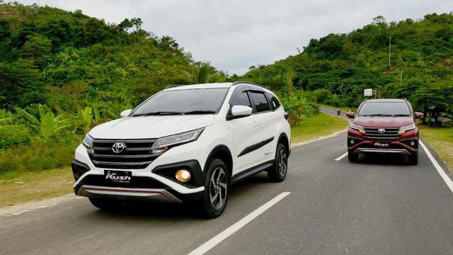 """Toyota Rush - """"Tiểu"""" Fortuner chực chờ về Việt Nam - Ảnh 4."""