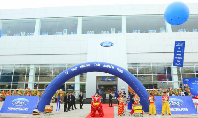 Kích cầu giữa bối cảnh thị trường ảm đạm, Ford mạnh tay đầu tư thêm 2 đại lý tại Việt Nam - Ảnh 1.