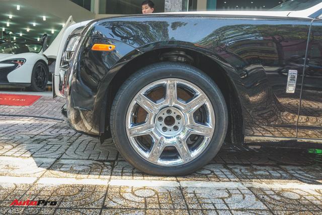 Ông chủ cafe Trung Nguyên mang 2 chiếc Rolls-Royce đến showroom để bán và làm đẹp - Ảnh 2.