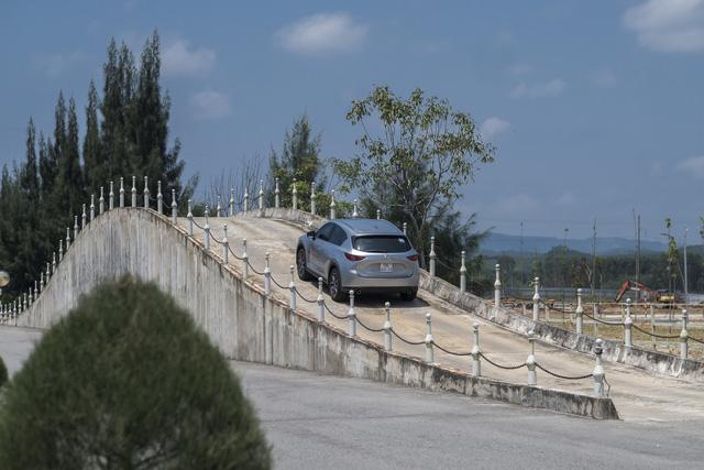 9 tiếng lắp ráp Mazda CX-5 theo cách Việt Nam - Ảnh 9.