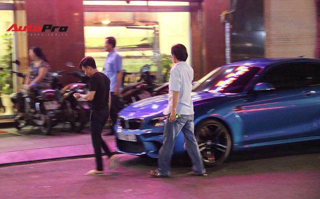 Cường Đô-la cầm lái BMW M2 mới tậu đưa Đàm Thu Trang đi dạo phố, ăn đêm - Ảnh 1.