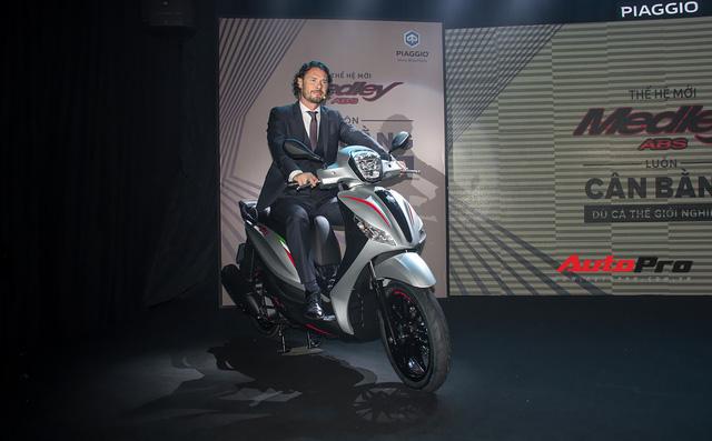 Quyết đấu Honda SH, Piaggio Medley ABS 2018 giá từ 72,5 triệu đồng - Ảnh 1.