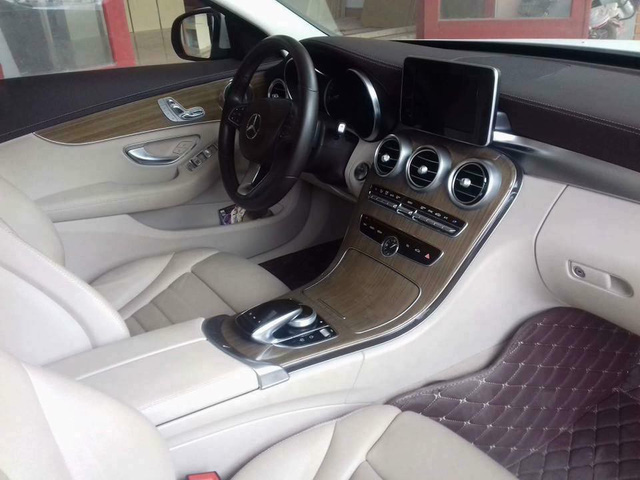 Mercedes-Benz C250 Exclusive 2015 độ trần sao kiểu Rolls-Royce được bán lại giá hơn 1,2 tỷ đồng - Ảnh 6.