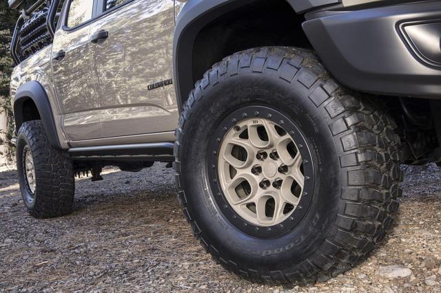 Chevrolet Colorado ZR2 Bison - Đối thủ mới của Ford Ranger Raptor - Ảnh 2.