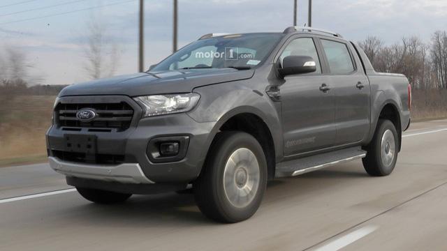 Ford Ranger Wildtrak bị bắt gặp chạy thử cạnh Ranger Raptor tại Mỹ - Ảnh 1.