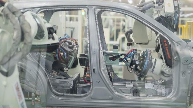 9 tiếng lắp ráp Mazda CX-5 theo cách Việt Nam