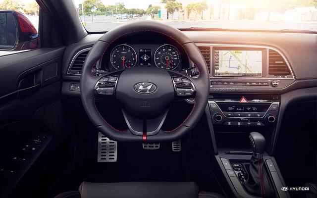 Ưu, nhược điểm của Hyundai Elantra 2018 - Ảnh 2.