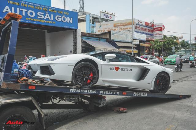 Lamborghini Aventador Roadster bất ngờ xuất hiện tại Sài Gòn - Ảnh 1.