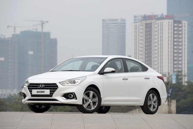 Chọn xe nào giữa 4 phiên bản Hyundai Accent 2018? - ảnh 3