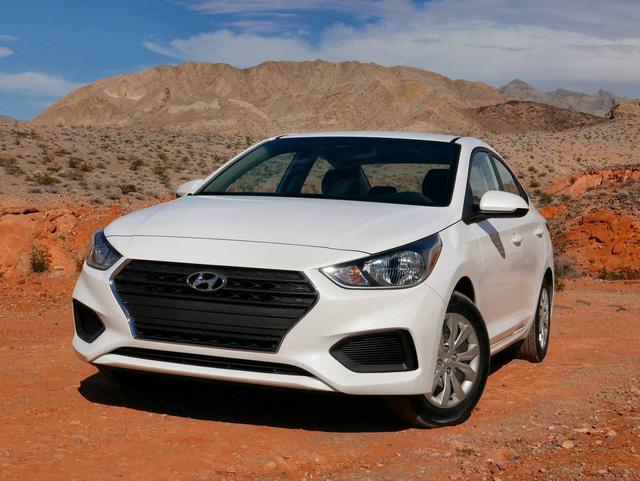 Chọn xe nào giữa 4 phiên bản Hyundai Accent 2018? - ảnh 1