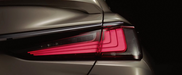 Lexus chính thức tung ảnh, video teaser ES 2019 ra mắt tuần tới - Ảnh 3.