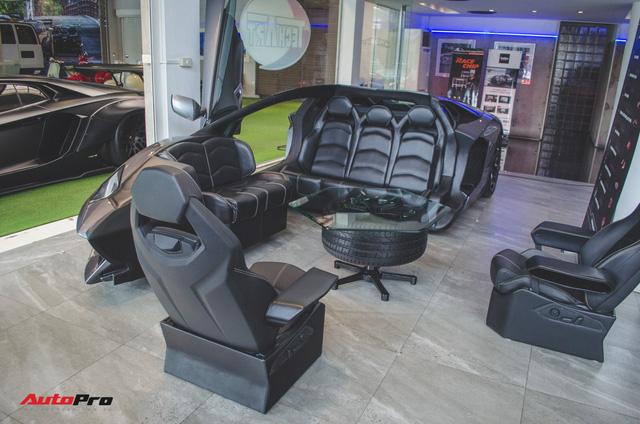 Mổ xẻ Lamborghini Aventador để làm bàn ghế uống nước - Ảnh 1.