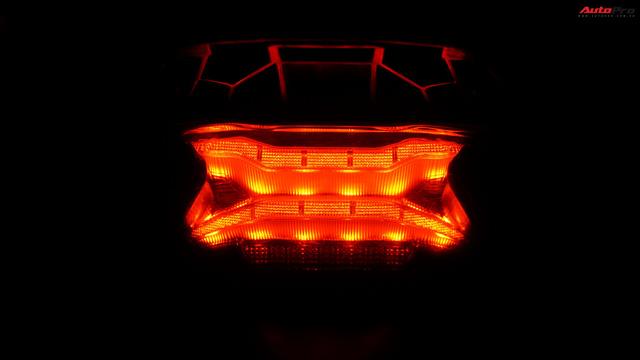 Cùng phân khúc xe ga Honda 150cc: Lựa chọn SH hay PCX? - Ảnh 6.