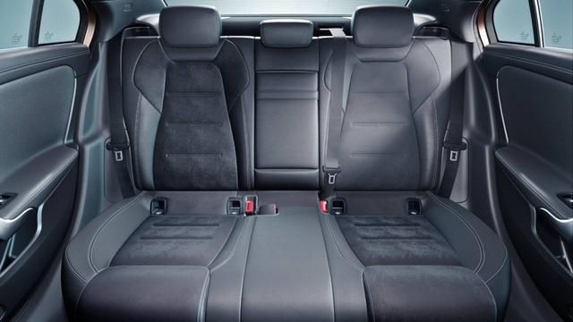 Mercedes-Benz A-Class sedan chính thức lộ diện - Ảnh 7.