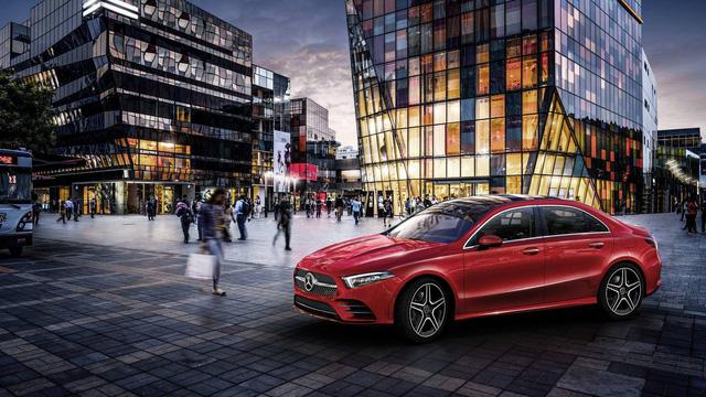 Mercedes-Benz A-Class sedan chính thức lộ diện - Ảnh 1.