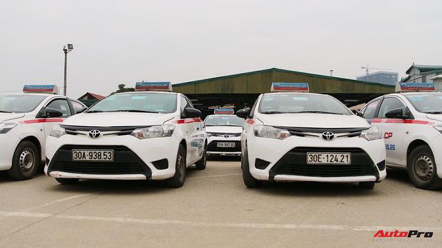 Xe cắt option, giá rẻ - Xu hướng mới của người Việt chạy taxi công nghệ - Ảnh 1.