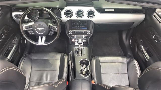 Ford Mustang mui trần độ khủng được bán lại với giá 2,35 tỷ đồng - Ảnh 8.