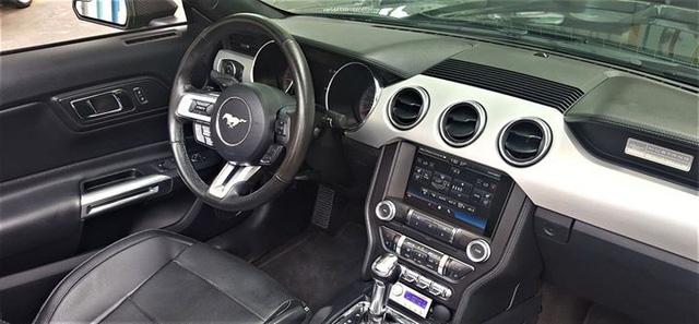 Ford Mustang mui trần độ khủng được bán lại với giá 2,35 tỷ đồng - Ảnh 10.