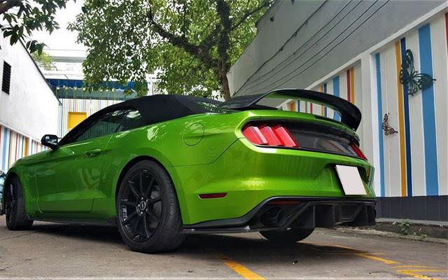 Ford Mustang mui trần độ khủng được bán lại với giá 2,35 tỷ đồng - Ảnh 5.