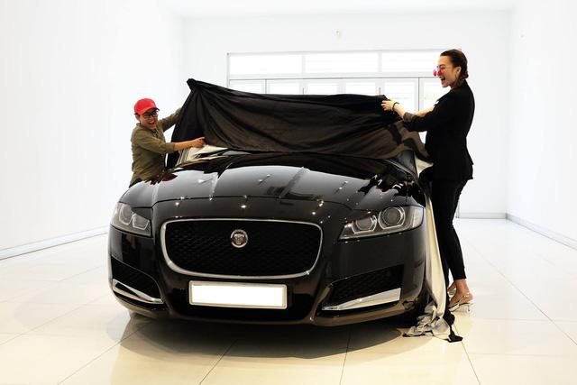 Thiều Bảo Trang, Phương Uyên tậu Jaguar XF hơn 3 tỷ đồng - Ảnh 3.