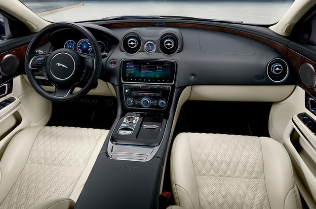 Jaguar ra mắt XJ50 chúc mừng sinh nhật chiếc sedan sau nửa thế kỷ tồn tại - Ảnh 2.